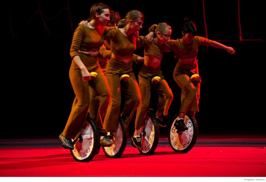 Rencontres Régionales des Écoles de Cirque - 4 et 5 mai   Ville de Voiron